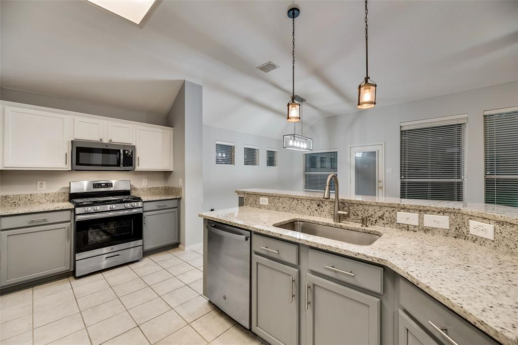 3621 Ranchman  Boulevard, Denton, Texas 76210 - acquisto real estate best real estate company to work for
