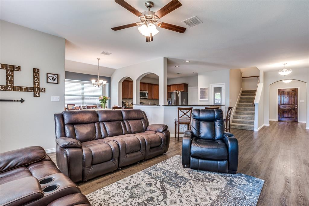 2924 Greenway  Drive, Burleson, Texas 76028 - acquisto real estate best the colony realtor linda miller the bridges real estate
