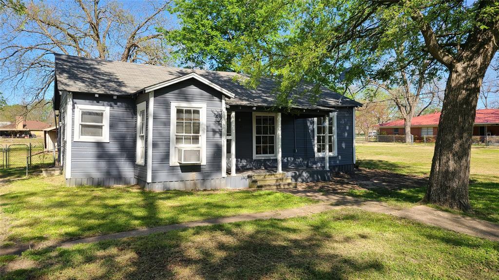225 Wight  Street, Roxton, Texas 75477 - Acquisto Real Estate best frisco realtor Amy Gasperini 1031 exchange expert