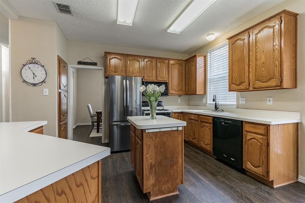 10905 Columbia  Drive, Frisco, Texas 75035 - acquisto real estate best celina realtor logan lawrence best dressed realtor