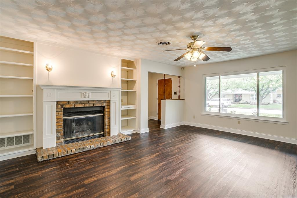 4001 Plantation  Drive, Benbrook, Texas 76116 - acquisto real estate best the colony realtor linda miller the bridges real estate