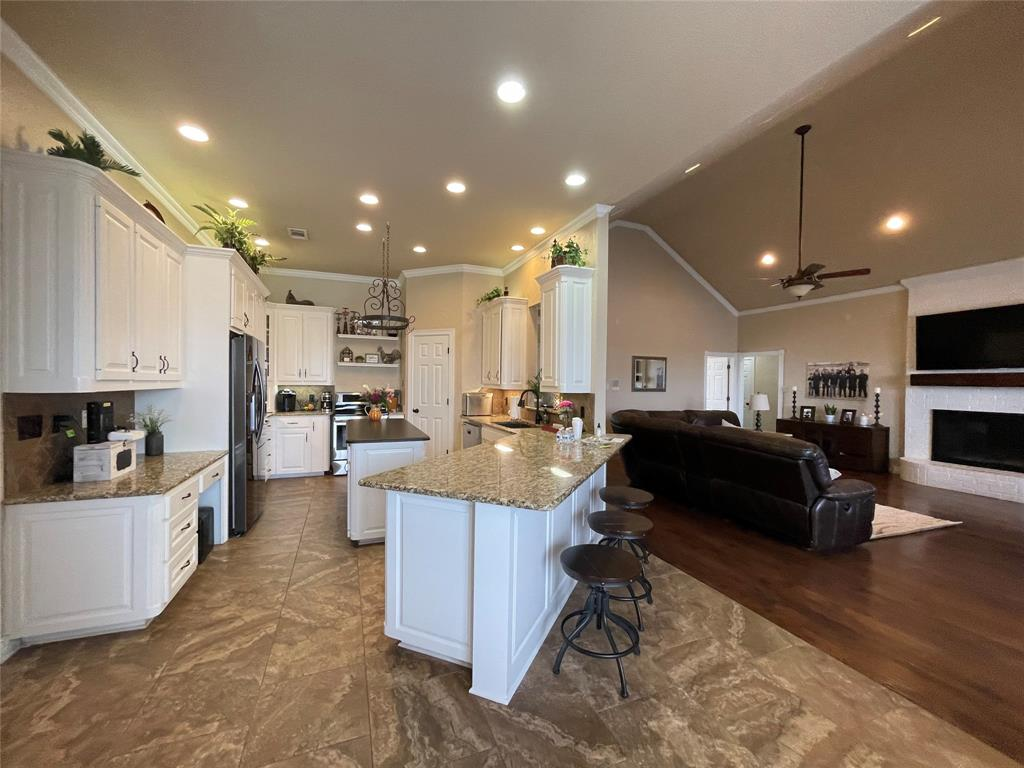 2202 White  Lane, Haslet, Texas 76052 - acquisto real estate best real estate company to work for