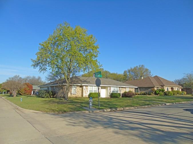 801 Walden  Court, Allen, Texas 75002 - Acquisto Real Estate best frisco realtor Amy Gasperini 1031 exchange expert