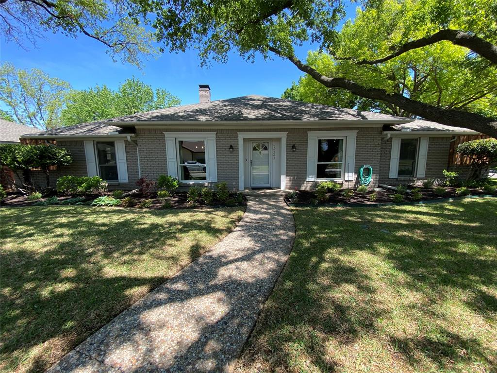 7227 Bluefield  Drive, Dallas, Texas 75248 - Acquisto Real Estate best plano realtor mike Shepherd home owners association expert