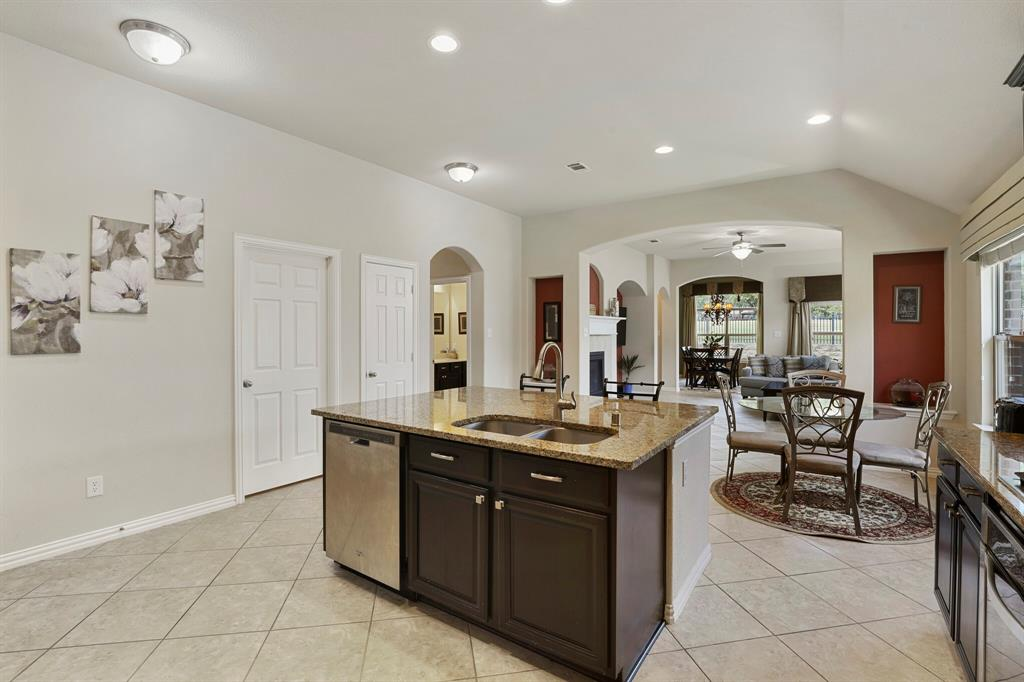 2928 Golfview  Drive, McKinney, Texas 75069 - acquisto real estate best highland park realtor amy gasperini fast real estate service