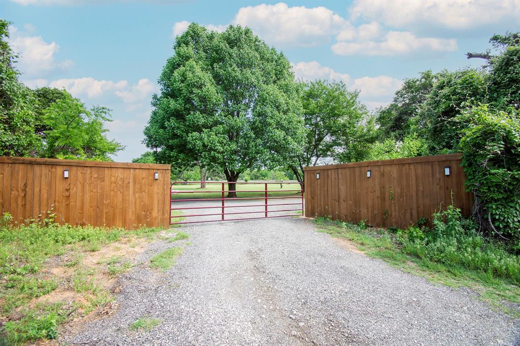 414 County Road 4659  Rhome, Texas 76078 -