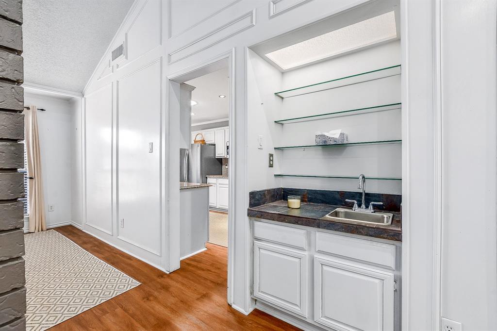 2820 Prescott  Drive, Carrollton, Texas 75006 - acquisto real estate best designer and realtor hannah ewing kind realtor