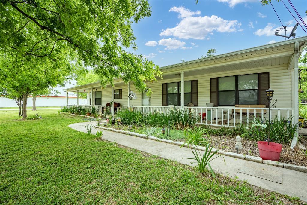 203 Maple  Street, Malone, Texas 76660 - Acquisto Real Estate best frisco realtor Amy Gasperini 1031 exchange expert