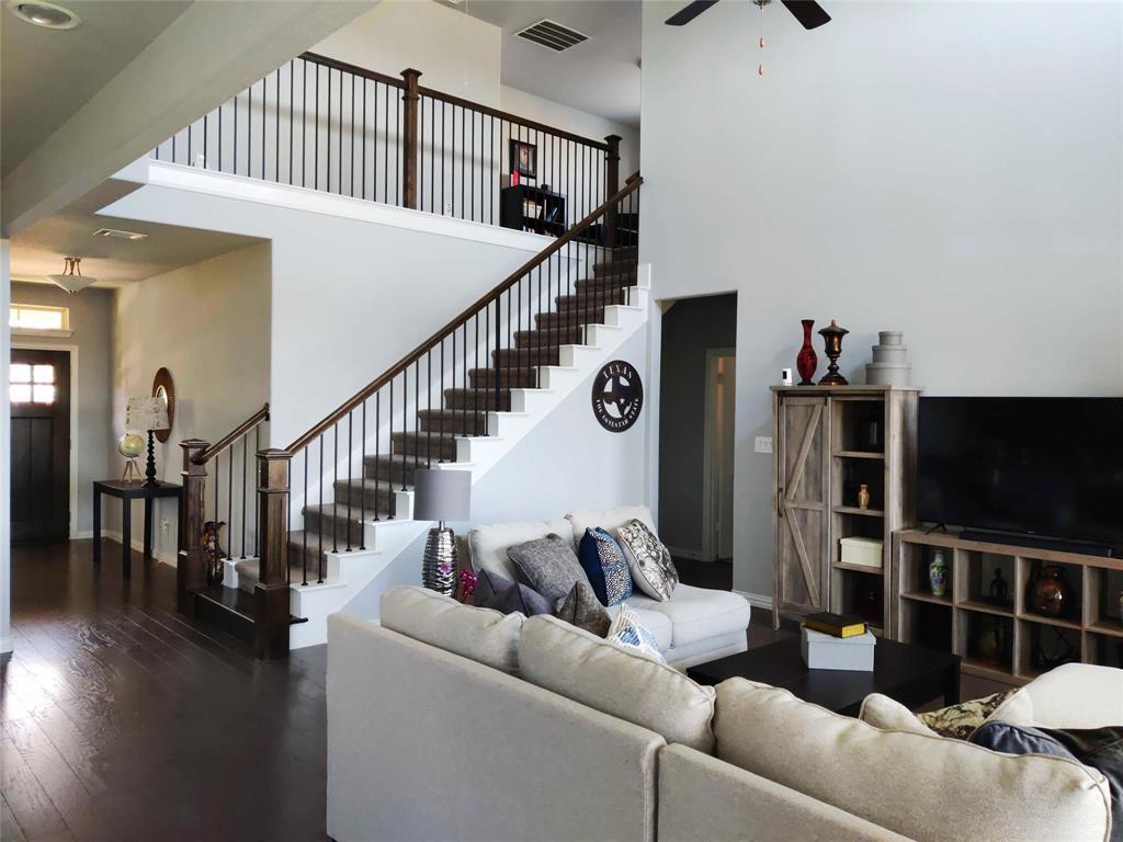 2121 Lake Front  Trail, Garland, Texas 75043 - acquisto real estate best prosper realtor susan cancemi windfarms realtor