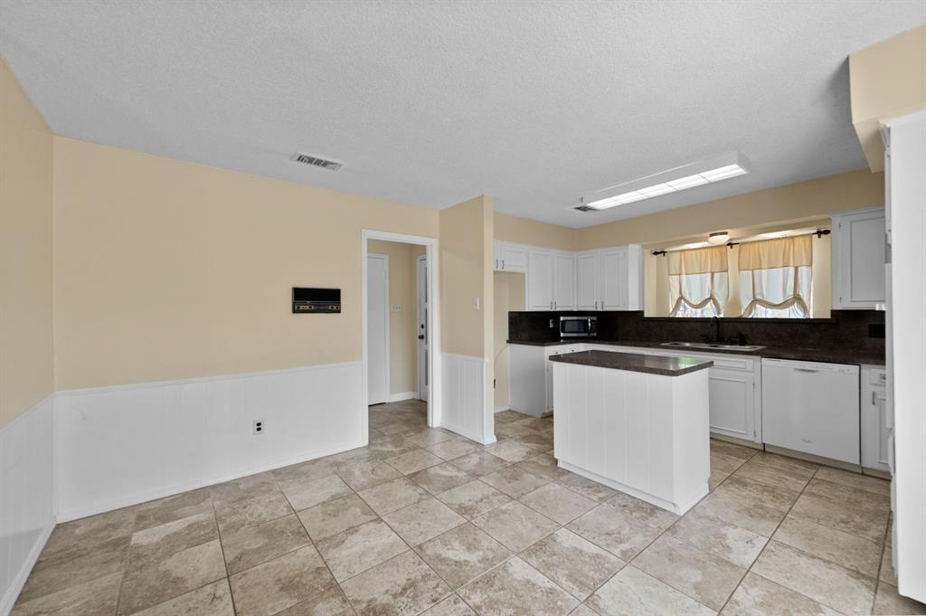 413 Salem  Drive, Hurst, Texas 76054 - acquisto real estate best designer and realtor hannah ewing kind realtor