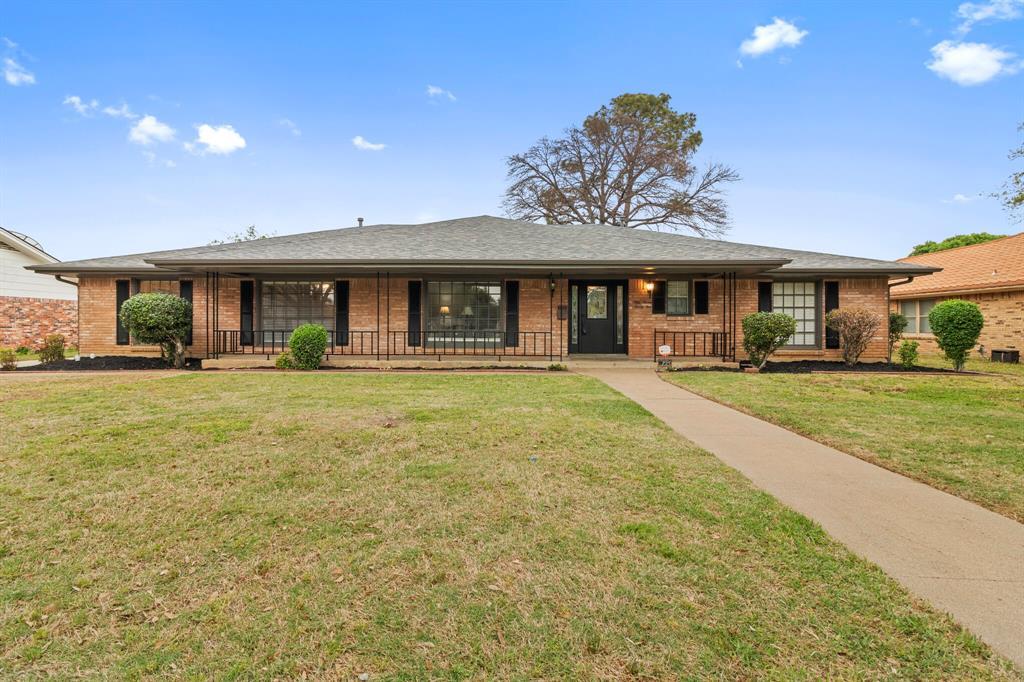 5725 Cedarcrest  Drive, Haltom City, Texas 76117 - Acquisto Real Estate best frisco realtor Amy Gasperini 1031 exchange expert