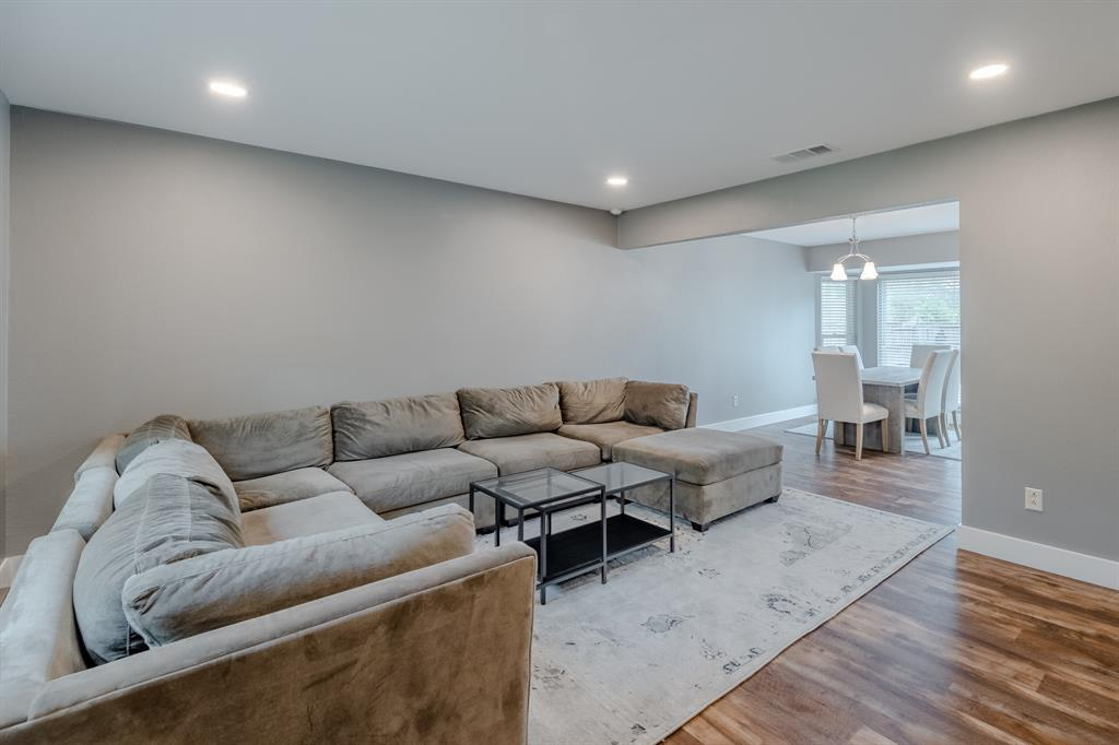 2246 Villawood  Lane, Garland, Texas 75040 - acquisto real estate best allen realtor kim miller hunters creek expert