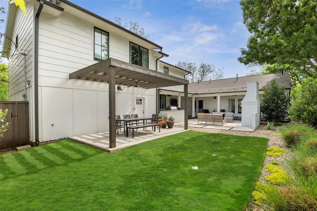 560 Northlake  Drive, Dallas, Texas 75218 - acquisto real estate best luxury home specialist shana acquisto