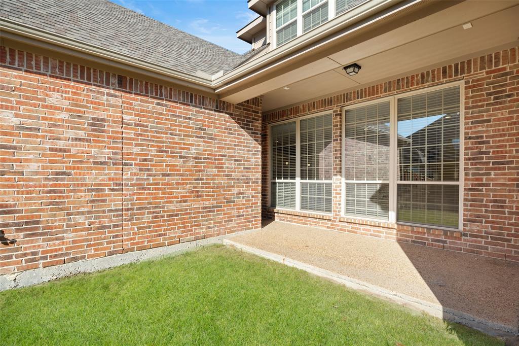 935 Pine Burst  Drive, Allen, Texas 75013 - acquisto real estate best listing photos hannah ewing mckinney real estate expert