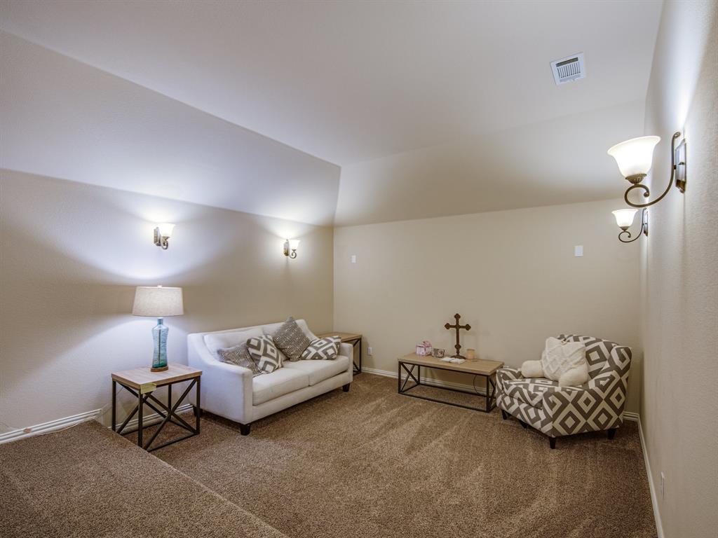 1310 Billingsley  Drive, Waxahachie, Texas 75167 - acquisto real estate best realtor foreclosure real estate mike shepeherd walnut grove realtor