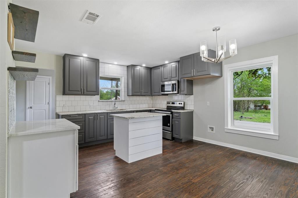 208 Elm  Street, Kemp, Texas 75143 - acquisto real estate best luxury buyers agent in texas shana acquisto inheritance realtor