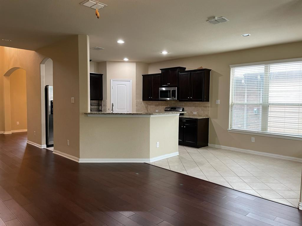 2724 Triangle Leaf  Drive, Fort Worth, Texas 76244 - acquisto real estate best real estate company to work for