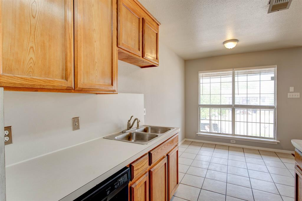 609 Race  Street, Crowley, Texas 76036 - acquisto real estate best listing listing agent in texas shana acquisto rich person realtor