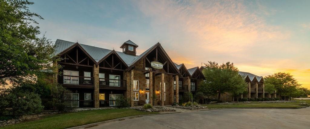 35 Bay Hill  Drive, Possum Kingdom Lake, Texas 76449 - acquisto real estate best luxury buyers agent in texas shana acquisto inheritance realtor