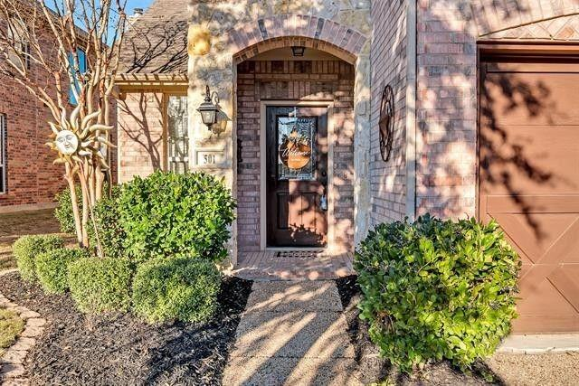 501 Eastland  Drive, Lewisville, Texas 75056 - Acquisto Real Estate best plano realtor mike Shepherd home owners association expert