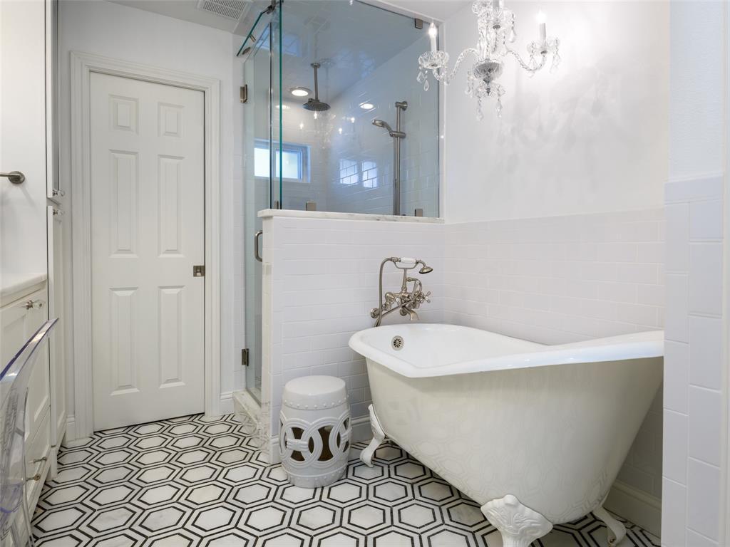 6807 Truxton  Drive, Dallas, Texas 75231 - acquisto real estate best luxury buyers agent in texas shana acquisto inheritance realtor