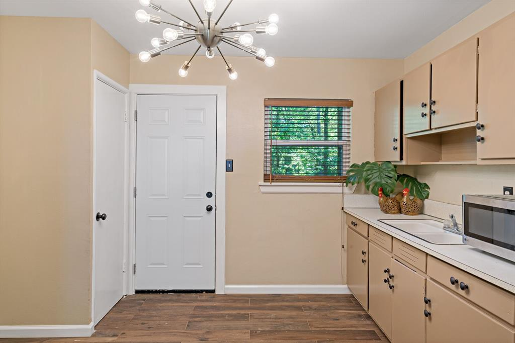 268 Crockett  Street, Lone Star, Texas 75668 - acquisto real estate best photos for luxury listings amy gasperini quick sale real estate