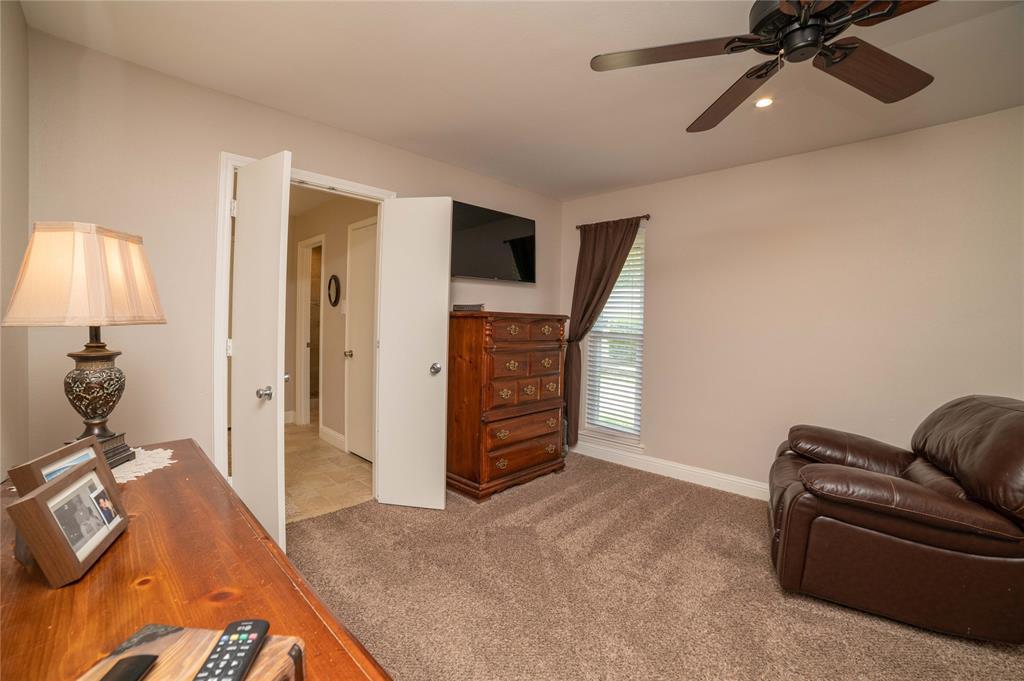 2426 Sherwood  Drive, Grand Prairie, Texas 75050 - acquisto real estate best realtor foreclosure real estate mike shepeherd walnut grove realtor
