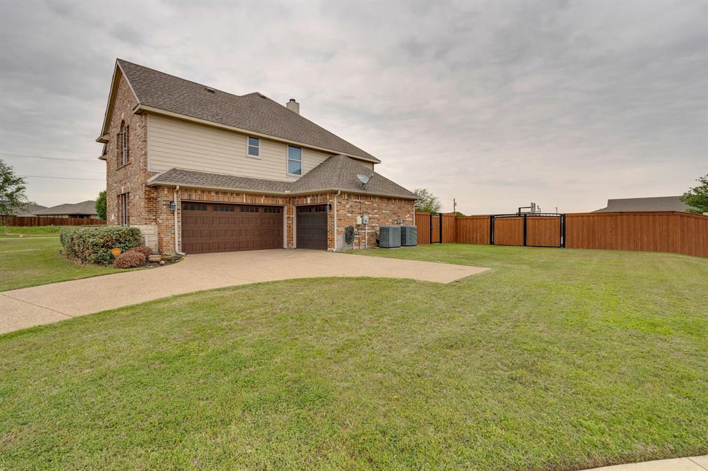 340 Cedar Crest  Drive, Justin, Texas 76247 - Acquisto Real Estate best mckinney realtor hannah ewing stonebridge ranch expert