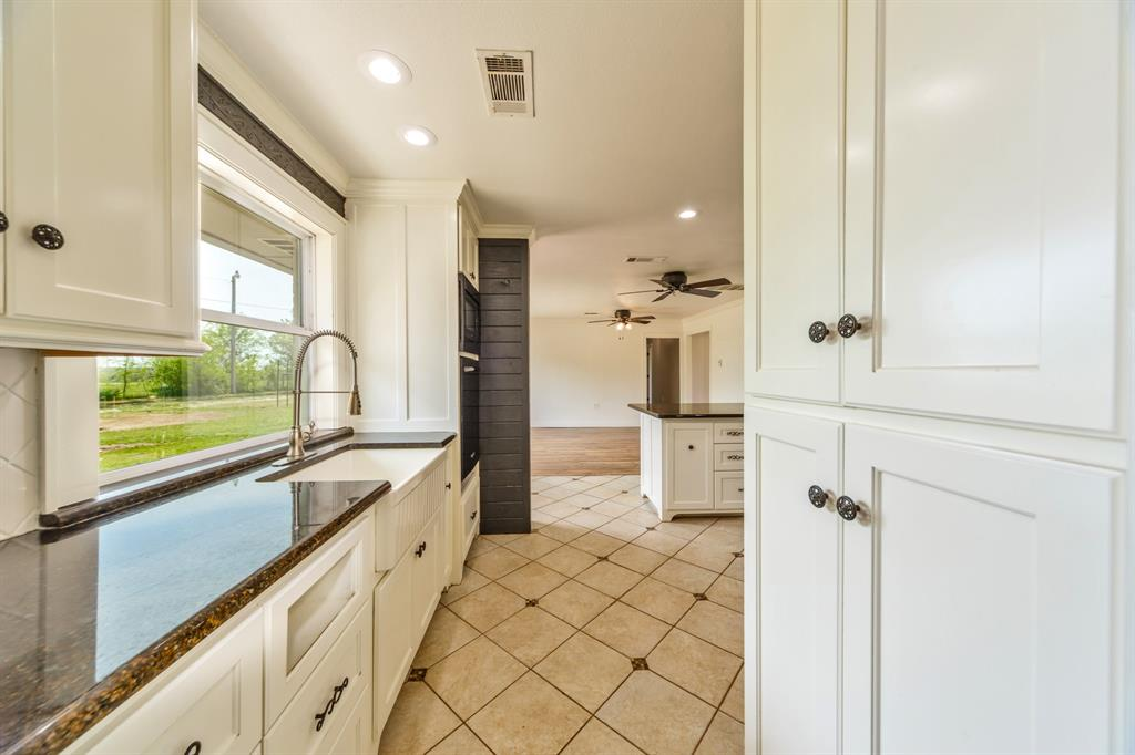 138 Silver  Street, Bowie, Texas 76230 - acquisto real estate best designer and realtor hannah ewing kind realtor