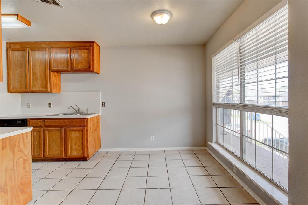 609 Race  Street, Crowley, Texas 76036 - acquisto real estate best celina realtor logan lawrence best dressed realtor