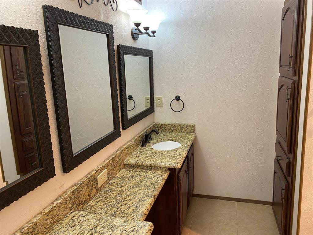 2209 Travis  Drive, Plano, Texas 75093 - acquisto real estate best realtor foreclosure real estate mike shepeherd walnut grove realtor