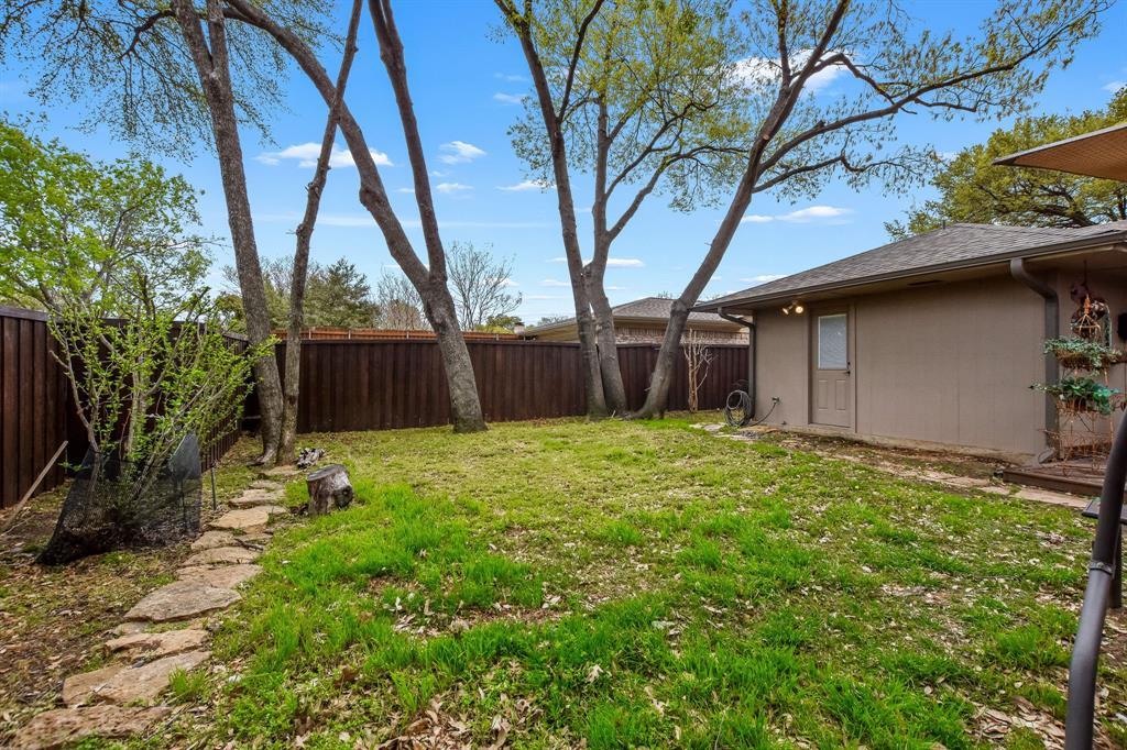1401 Lincoln  Drive, Carrollton, Texas 75006 - acquisto real estate best realtor dfw jody daley liberty high school realtor