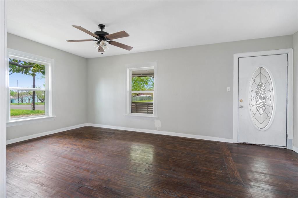 208 Elm  Street, Kemp, Texas 75143 - acquisto real estate best highland park realtor amy gasperini fast real estate service