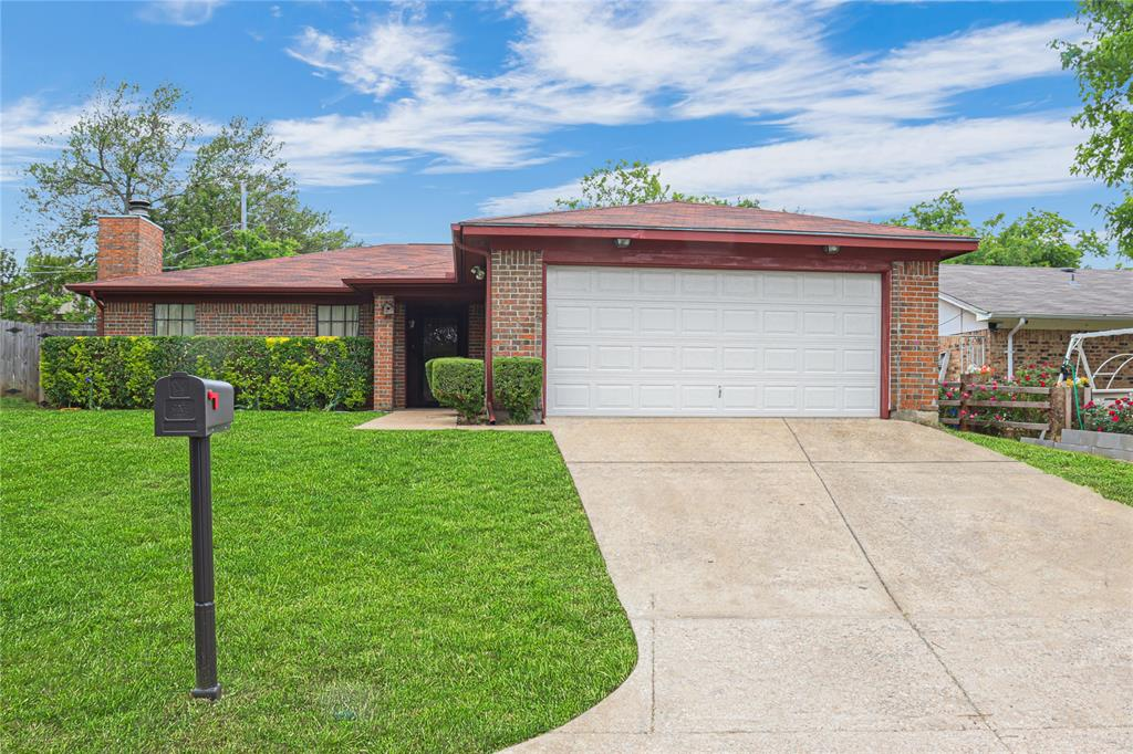 3741 Misty Meadow  Drive, Fort Worth, Texas 76133 - Acquisto Real Estate best plano realtor mike Shepherd home owners association expert