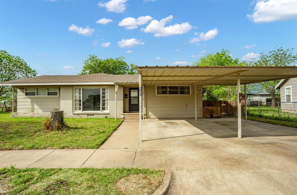 1015 Lincoln  Street, Mc Gregor, Texas 76657 - Acquisto Real Estate best frisco realtor Amy Gasperini 1031 exchange expert