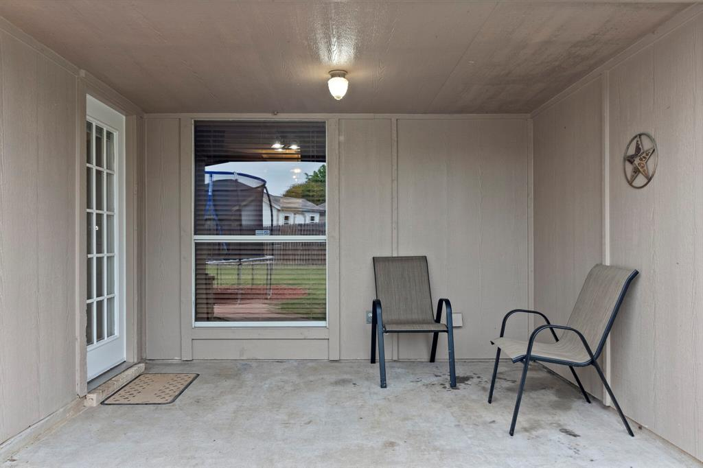 101 Saint James  Court, Rhome, Texas 76078 - acquisto real estate best realtor dfw jody daley liberty high school realtor
