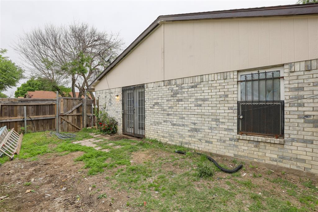 9420 Kerrville  Street, Dallas, Texas 75227 - acquisto real estate best realtor foreclosure real estate mike shepeherd walnut grove realtor