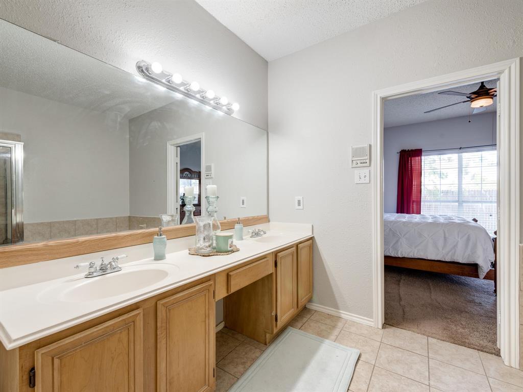 912 Azalia  Drive, Lewisville, Texas 75067 - acquisto real estate best photos for luxury listings amy gasperini quick sale real estate