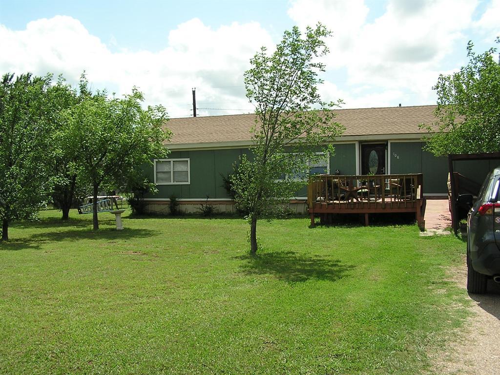 108 Crest  Drive, Tye, Texas 79563 - Acquisto Real Estate best frisco realtor Amy Gasperini 1031 exchange expert