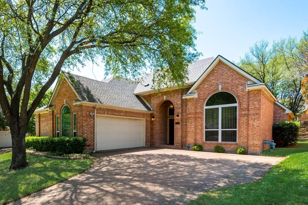 7517 Vineyard  Trail, Garland, Texas 75044 - Acquisto Real Estate best plano realtor mike Shepherd home owners association expert