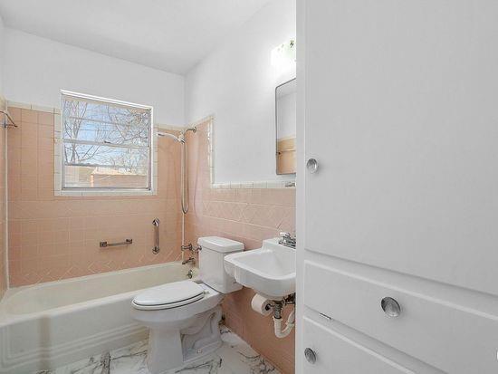 2301 Berkley  Street, Brownwood, Texas 76801 - acquisto real estate best new home sales realtor linda miller executor real estate