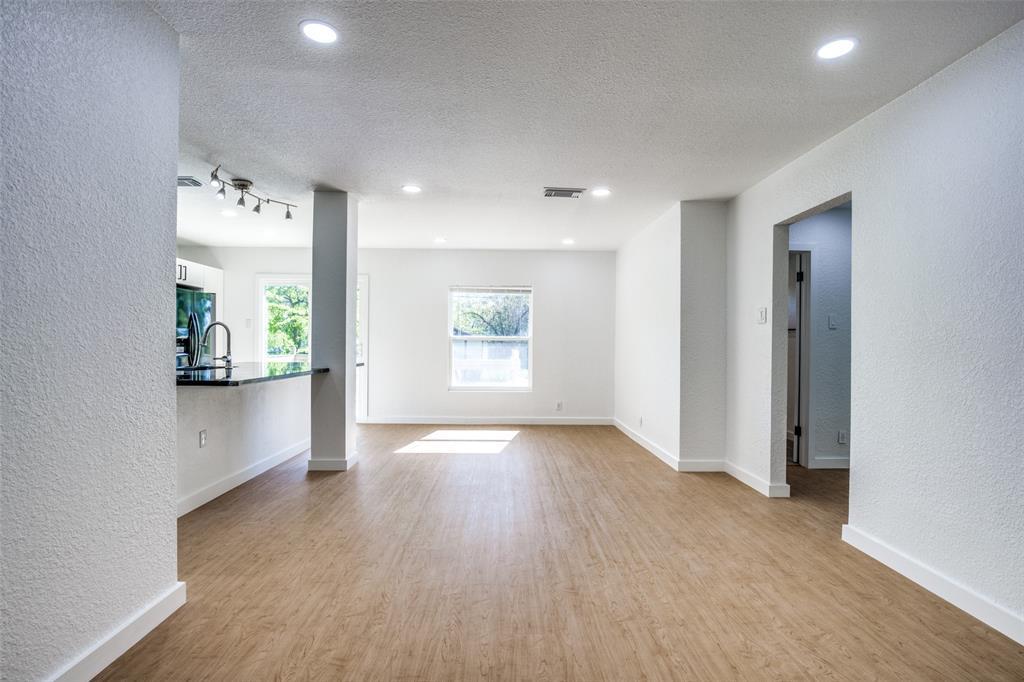 1434 Oak Cliff  Boulevard, Dallas, Texas 75208 - acquisto real estate best prosper realtor susan cancemi windfarms realtor