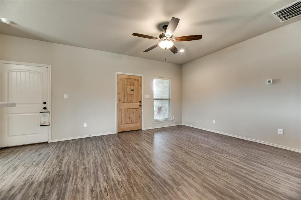1016 Skyview  Court, Midlothian, Texas 76065 - acquisto real estate best celina realtor logan lawrence best dressed realtor