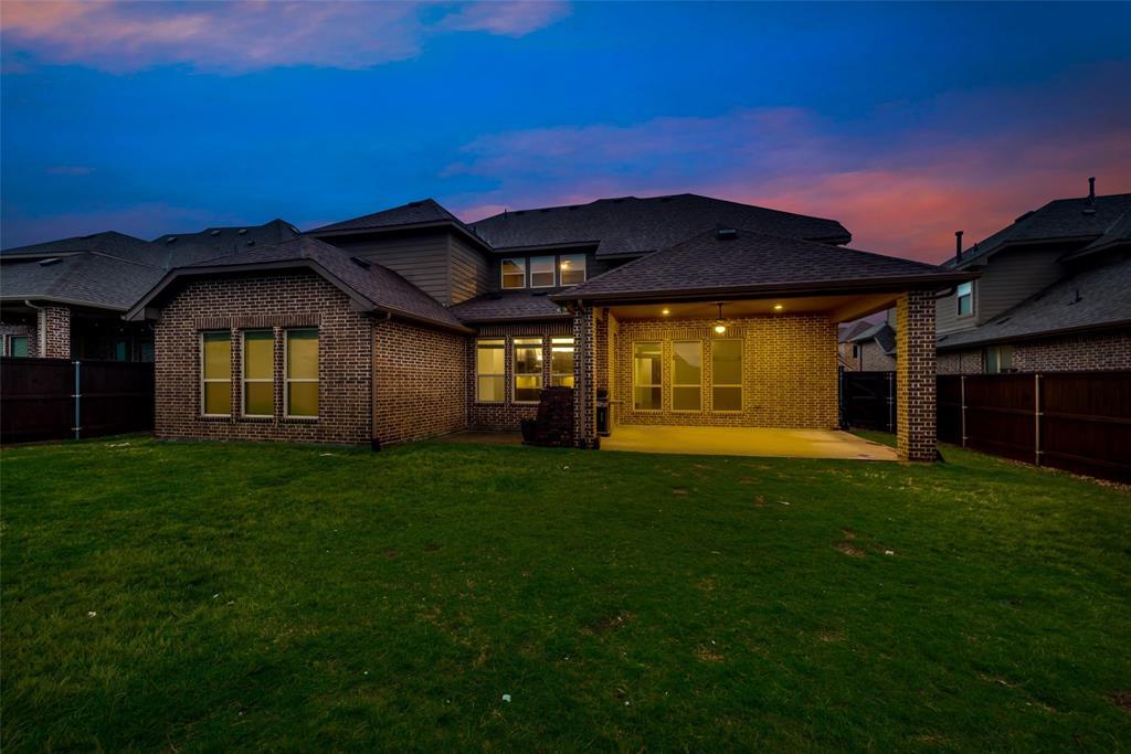 1024 Holston Hills  Trail, Roanoke, Texas 76262 - acquisto real estate mvp award real estate logan lawrence