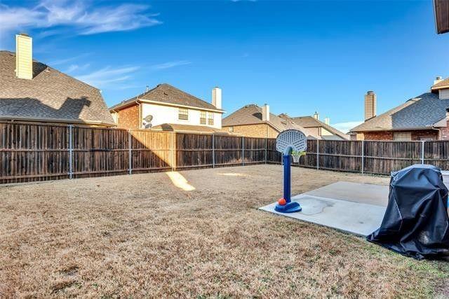 501 Eastland  Drive, Lewisville, Texas 75056 - acquisto real estate best negotiating realtor linda miller declutter realtor