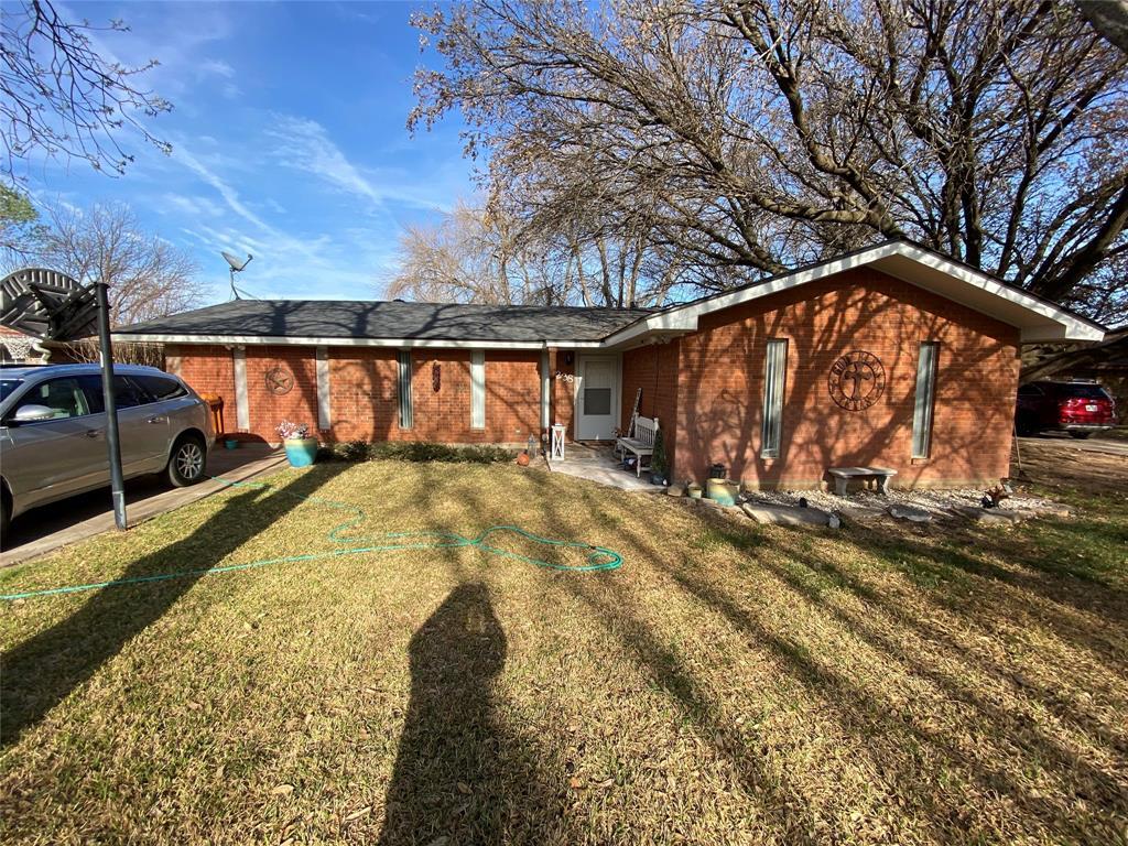 238 Circle  Drive, Winters, Texas 79567 - Acquisto Real Estate best frisco realtor Amy Gasperini 1031 exchange expert
