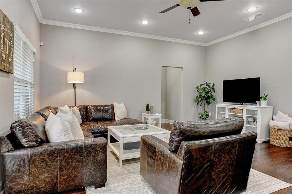 3401 Preston Club  Drive, Sherman, Texas 75092 - acquisto real estate best highland park realtor amy gasperini fast real estate service