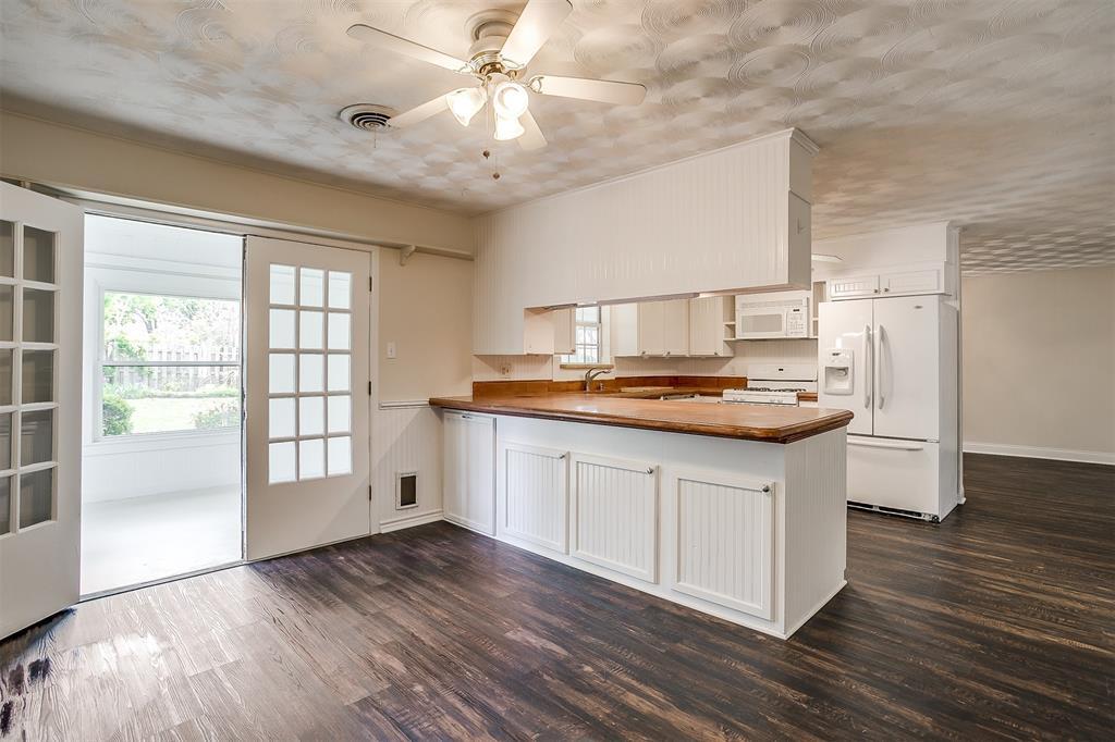 4001 Plantation  Drive, Benbrook, Texas 76116 - acquisto real estate best highland park realtor amy gasperini fast real estate service