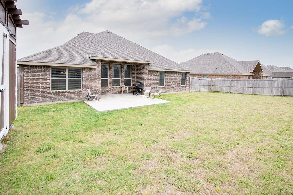 124 Haymeadow  Drive, Crandall, Texas 75114 - acquisto real estate best relocation company in america katy mcgillen