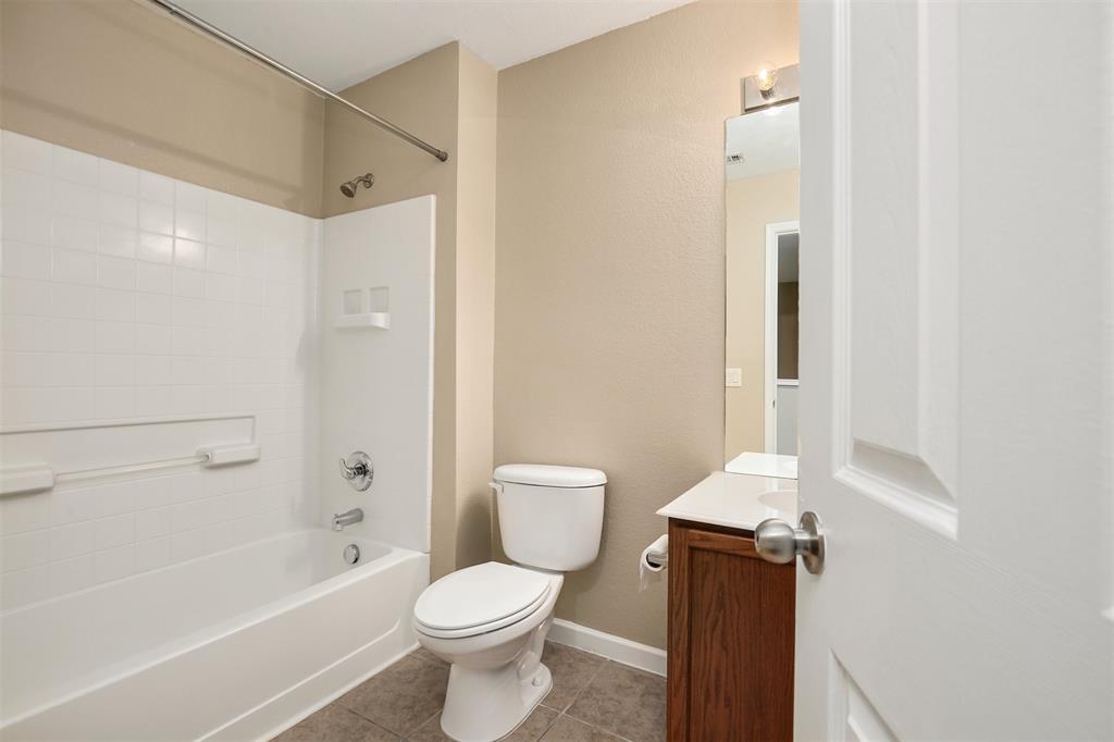 2214 Glacier Park  Lane, Grand Prairie, Texas 75050 - acquisto real estate best realtor dfw jody daley liberty high school realtor
